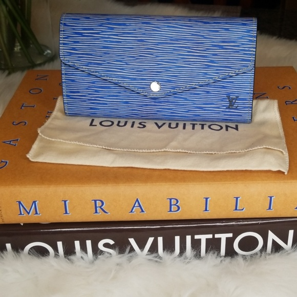 Louis Vuitton Handbags - ADDTL PICS OF LV EPI SARAH WALLET